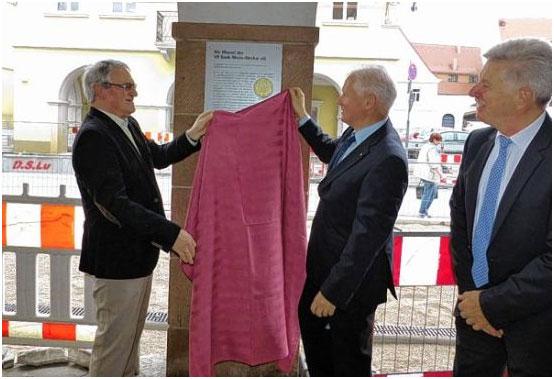 Eetbank En Tafel : Datei siegfried neuenhausen hainhölzer schuhe bank nord tafel